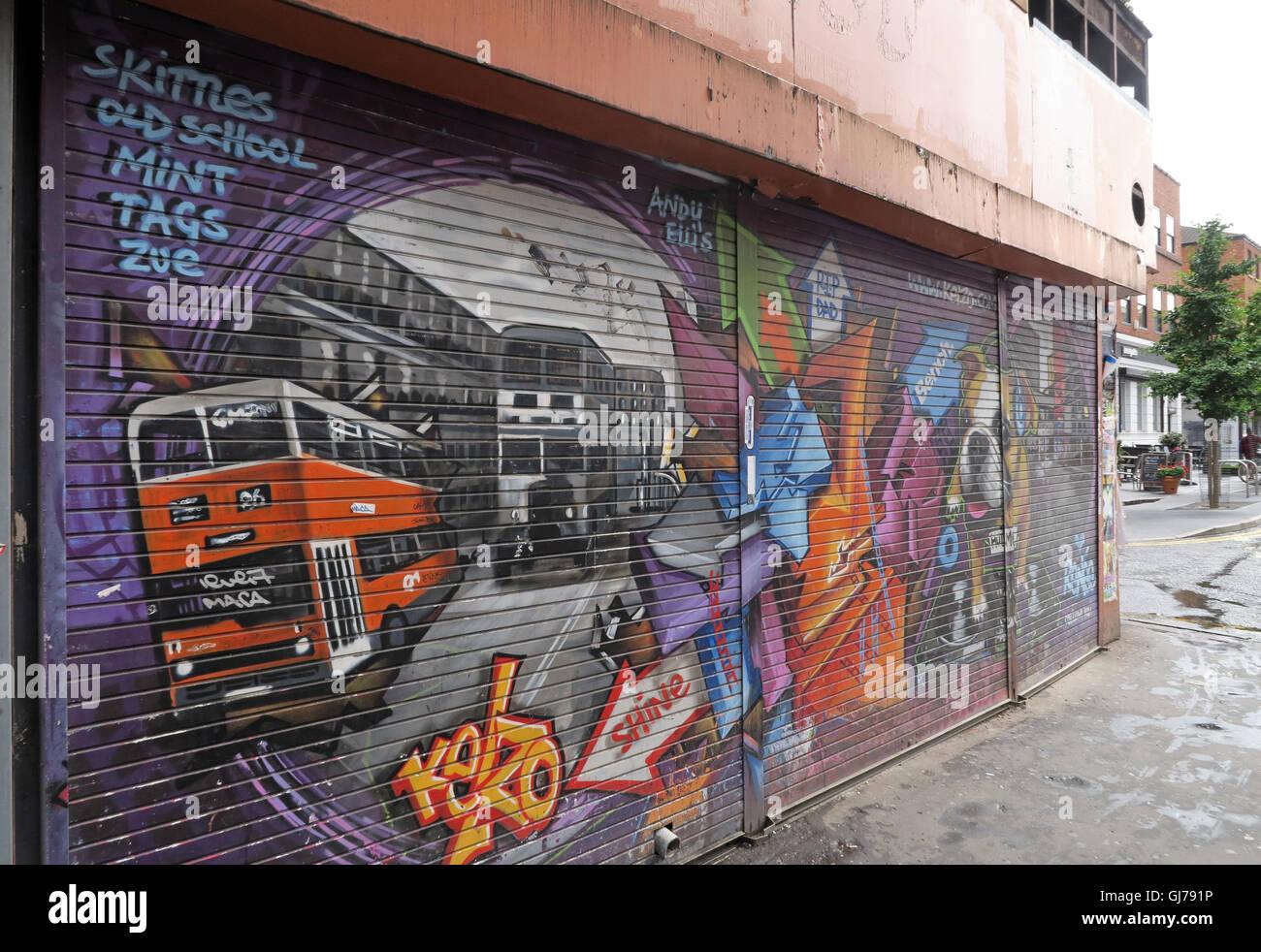 Laden Sie dieses Alamy Stockfoto Kelzo Manchester Wandbild in Shutter, Koffee Topf, nördlichen Viertel Artwork, NQ, Manchester, North West England, Großbritannien, M1 1JR - GJ791P