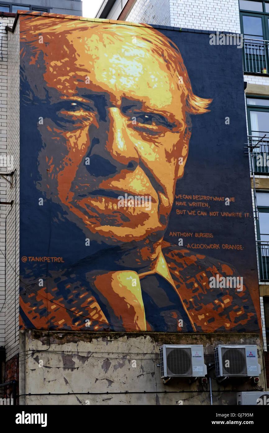 Laden Sie dieses Alamy Stockfoto Autor Anthony Burgess Wandmalerei Kunst arbeiten, Northern Quarter, Brightwell Spaziergang, Manchester M4 5JD - GJ795M