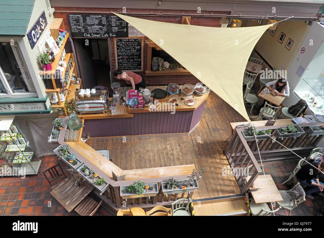 Laden Sie dieses Alamy Stockfoto Cafe an der Manchester Handwerk und Design Center, 17 Oak Street, Manchester, M4 5JD - GJ7977
