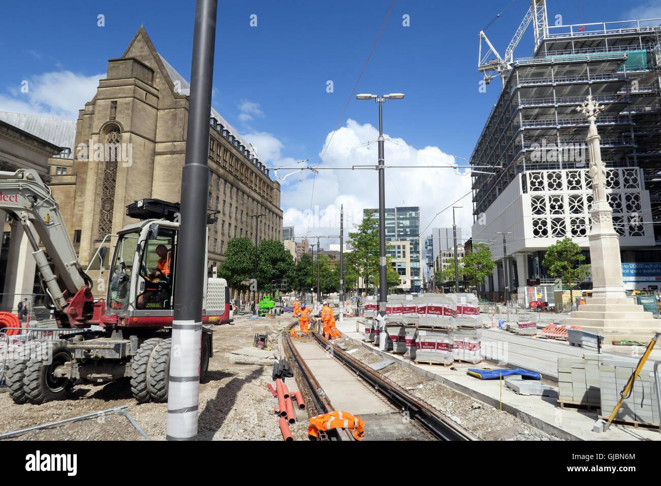 Laden Sie dieses Alamy Stockfoto Gebäude der Phase 2 CC-Second City Crossing für Manchester Metrolink, Petersplatz, North West England, Großbritannien, M2 5PD - GJBN6M