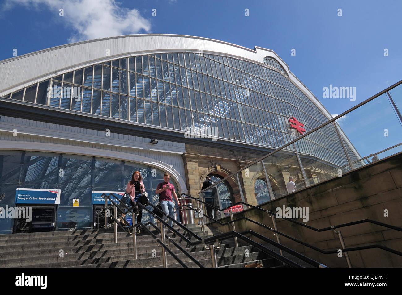 Laden Sie dieses Alamy Stockfoto Liverpool Lime Street, Bahnhof, Stadtzentrum Liverpool, Merseyside, England - GJBPNH