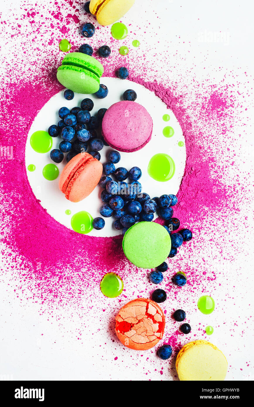 Kunst der Ernährungsgewohnheiten (mit Macarons und Heidelbeere) Stockbild
