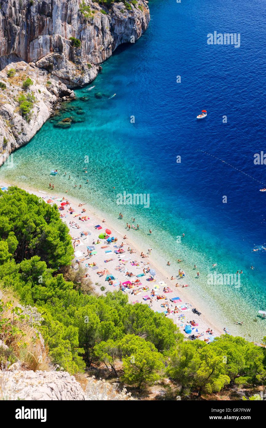Schöner Strand an der Makarska Riviera, Makarska in Dalmatien Stockbild