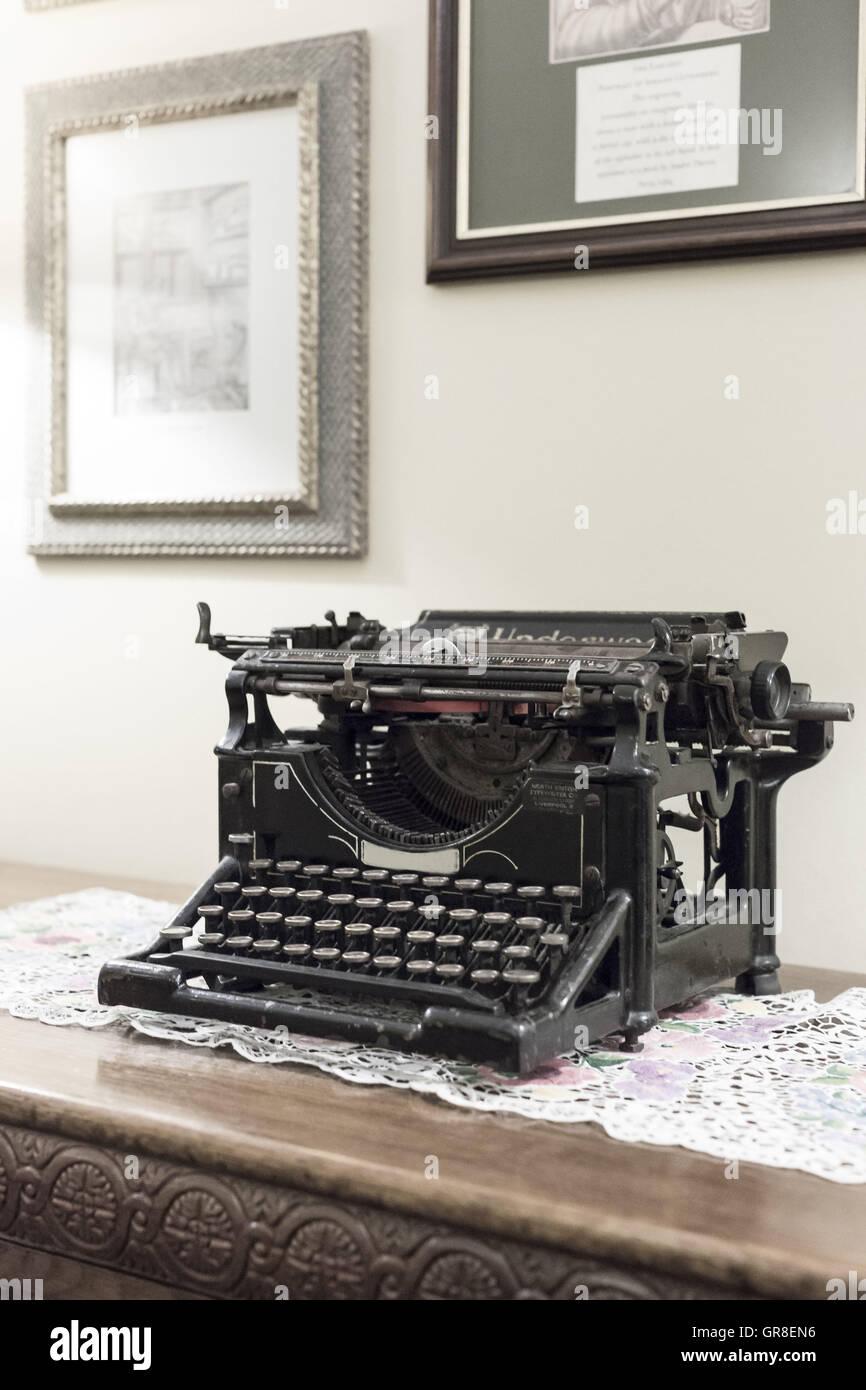 Nostalgische Schreibmaschine Großmutter Zeiten Stockbild
