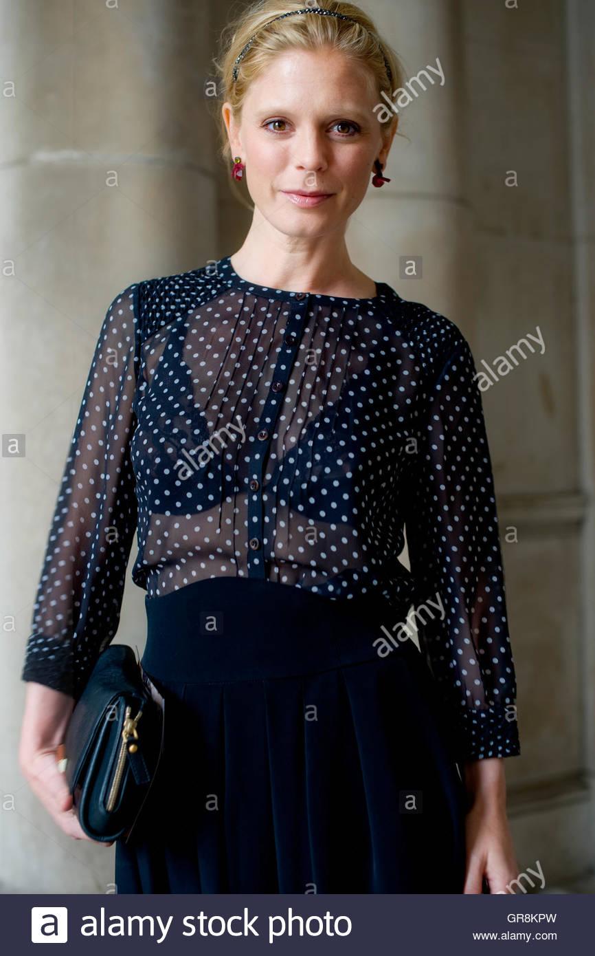 Award-Preisträgerin, Emilia Fox im Somerset House, während der London Fashion Week. Stockbild