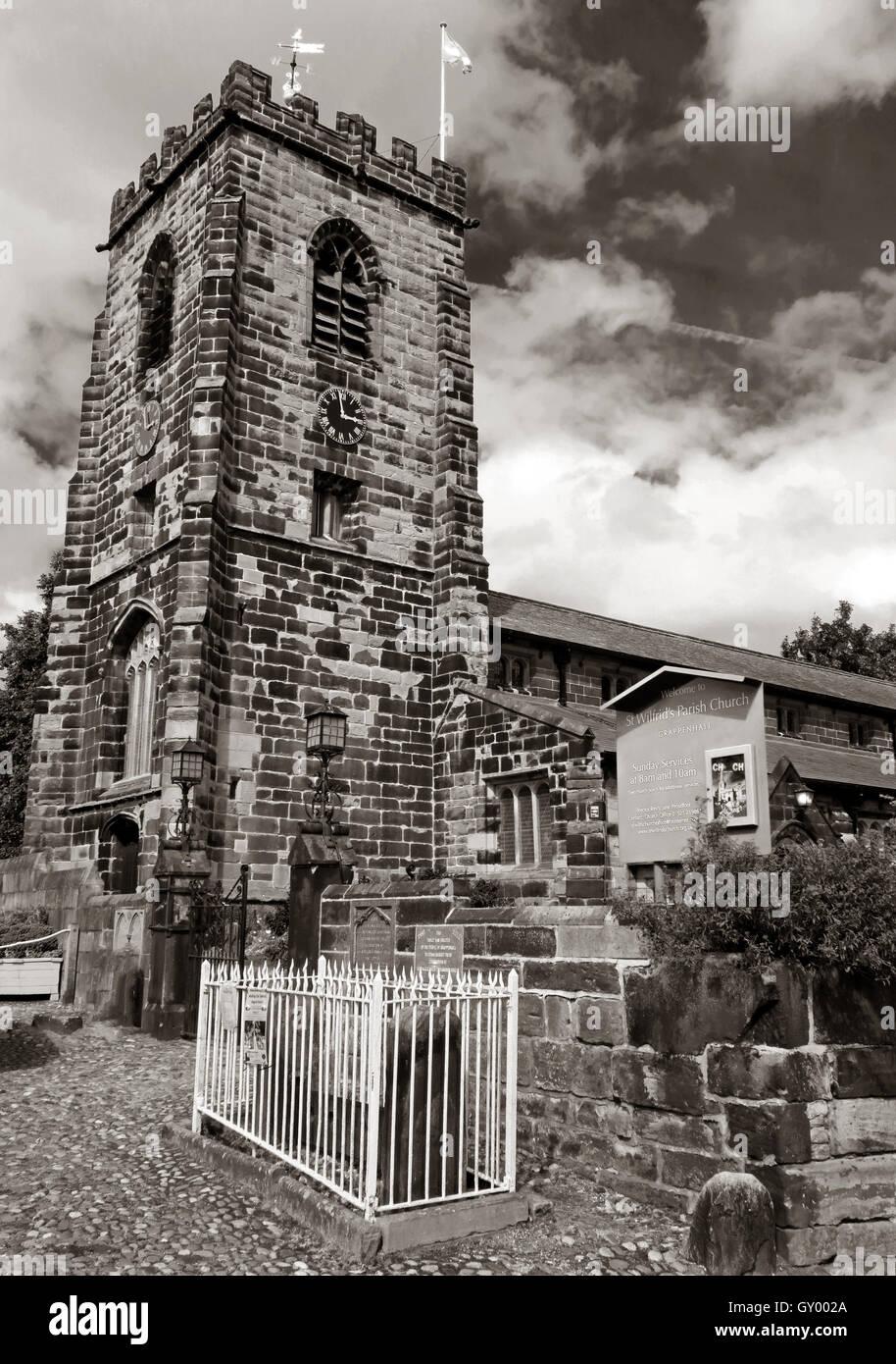 Laden Sie dieses Alamy Stockfoto Außenseite des St Wilfrids Kirchturm, Grappenhall, Warrington, Cheshire England UK s/w - GY002A