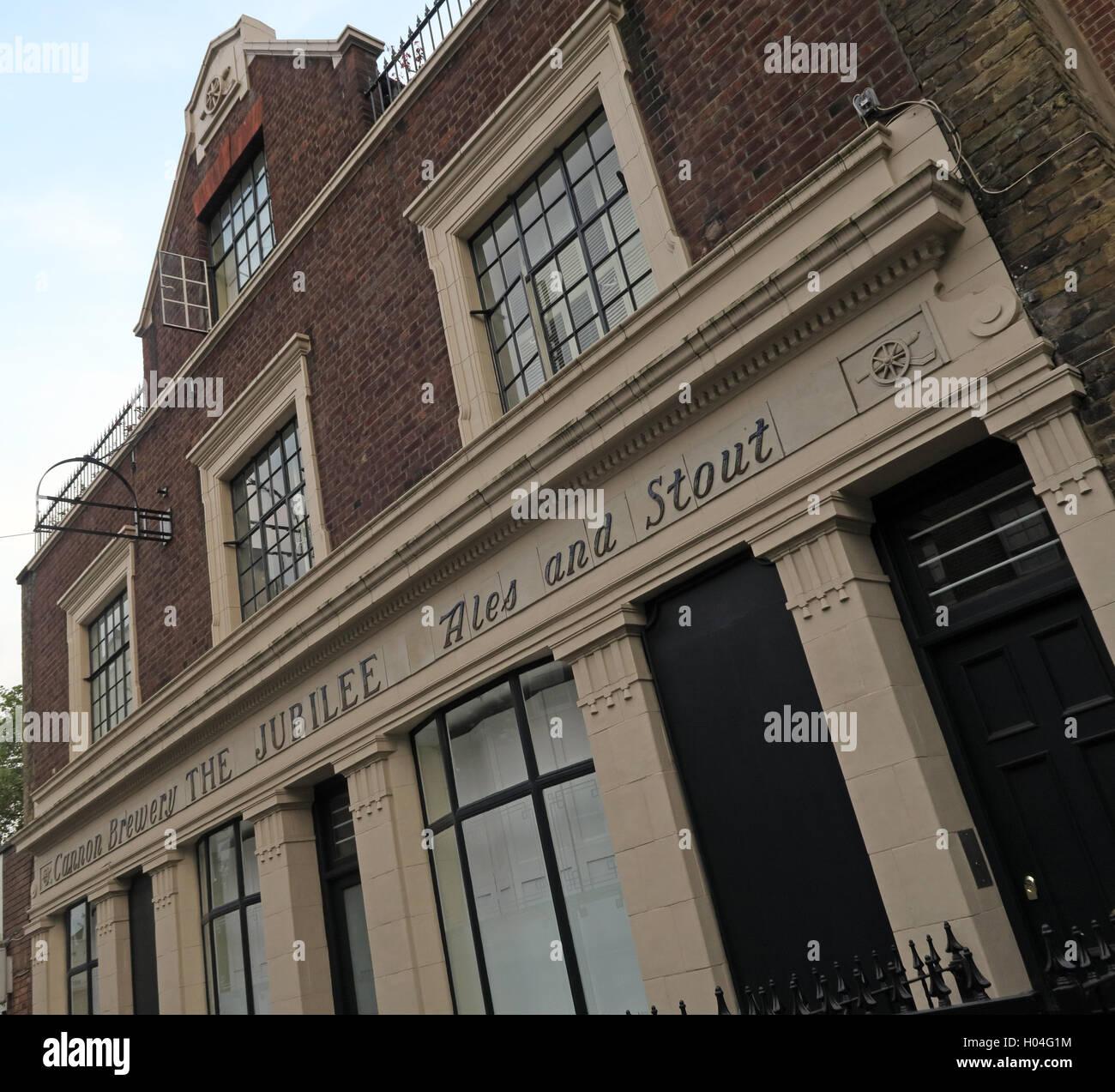 Laden Sie dieses Alamy Stockfoto Die Jubilee Pub, Ales & Stout bauen, Somers Town, Euston, Camden, London - H04G1M