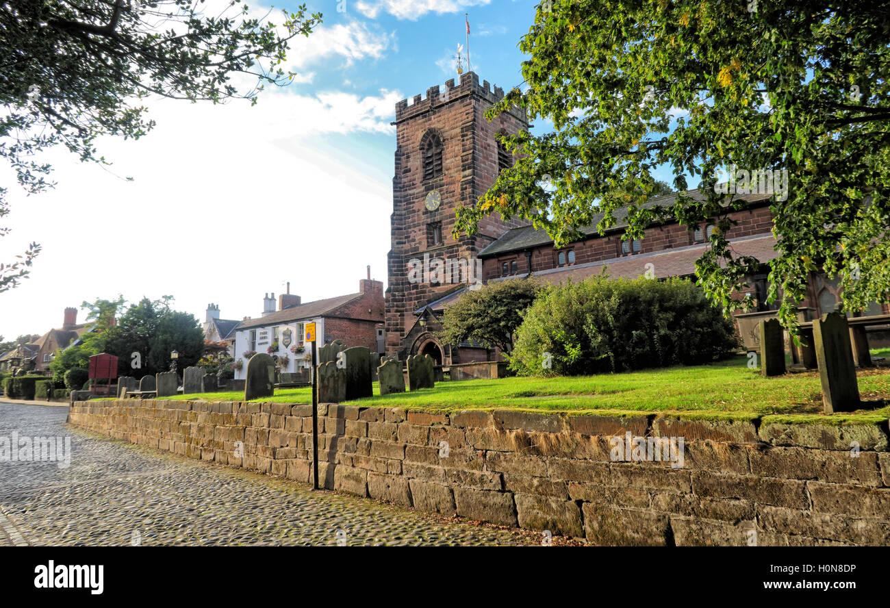 Laden Sie dieses Alamy Stockfoto St Wilfrids Friedhof, Grappenhall, Warrington, Cheshire, England, WA4 3EP - H0N8DP