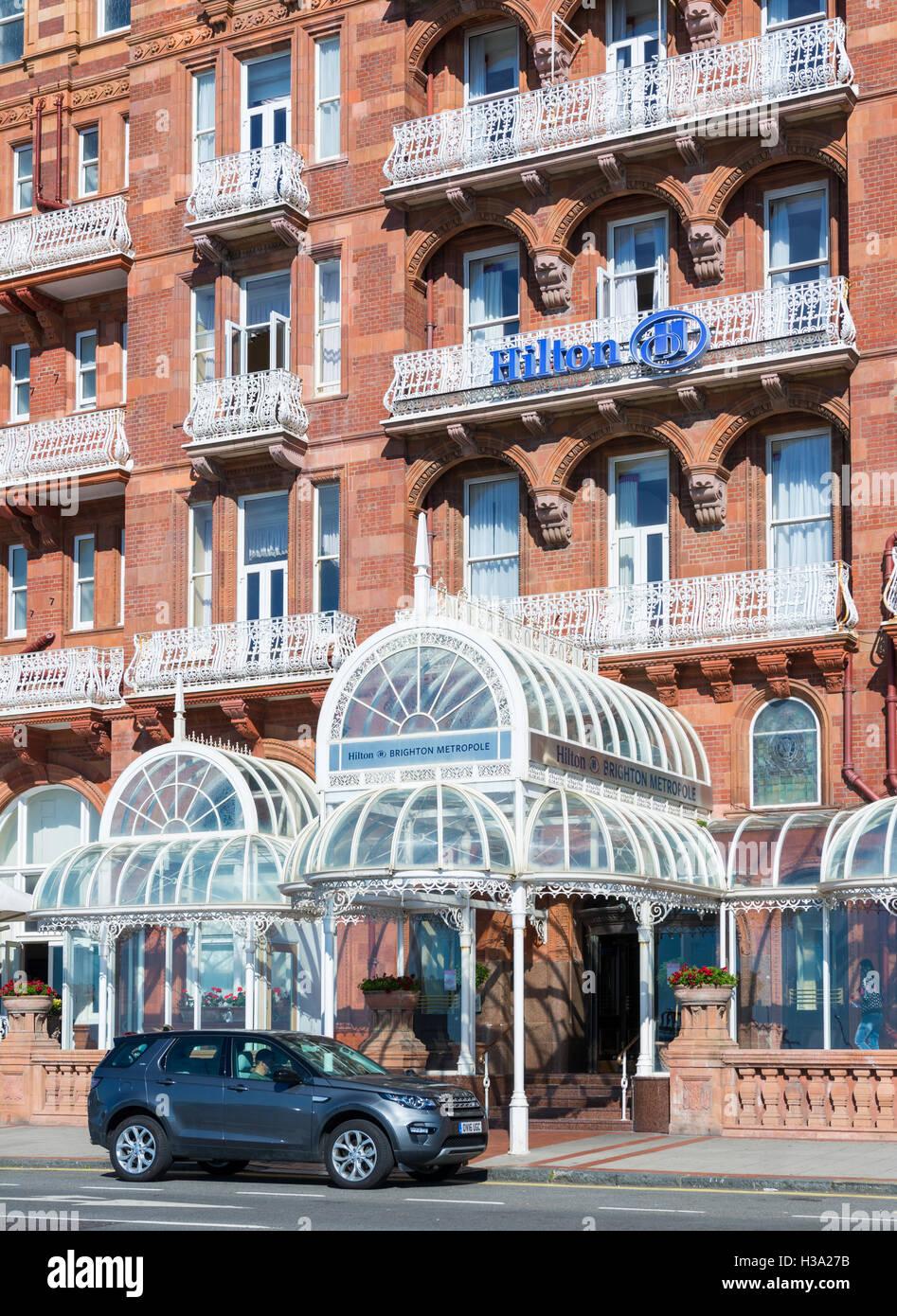 Vom Eingang in das Hilton Brighton Metropole Hotel, ein viktorianisches Hotel in der Nähe von der Küste Stockbild