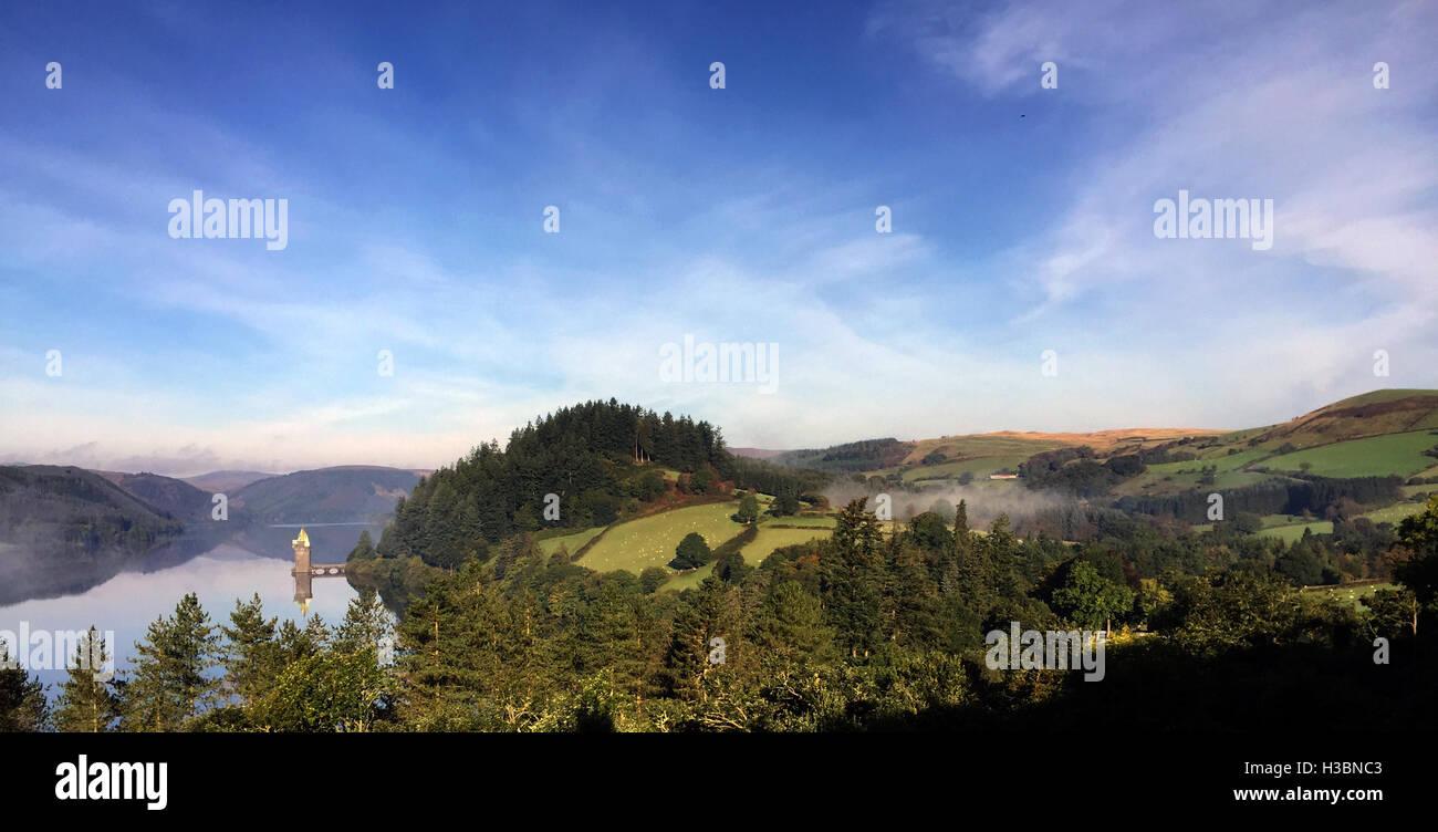 LAKE VYRNWY, Powys, Wales, zeigt der neugotischen Anstrengung Turm Foto Tony Gale Stockbild