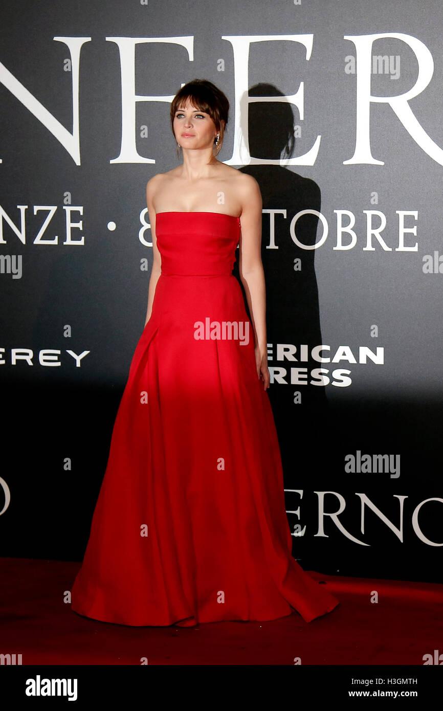 "Florenz, Italien. 8. Oktober 2016. Felicity Jones Florenz 8. Oktober 2016. ""Inferno"" Welt-Premiere. Foto Stockbild"