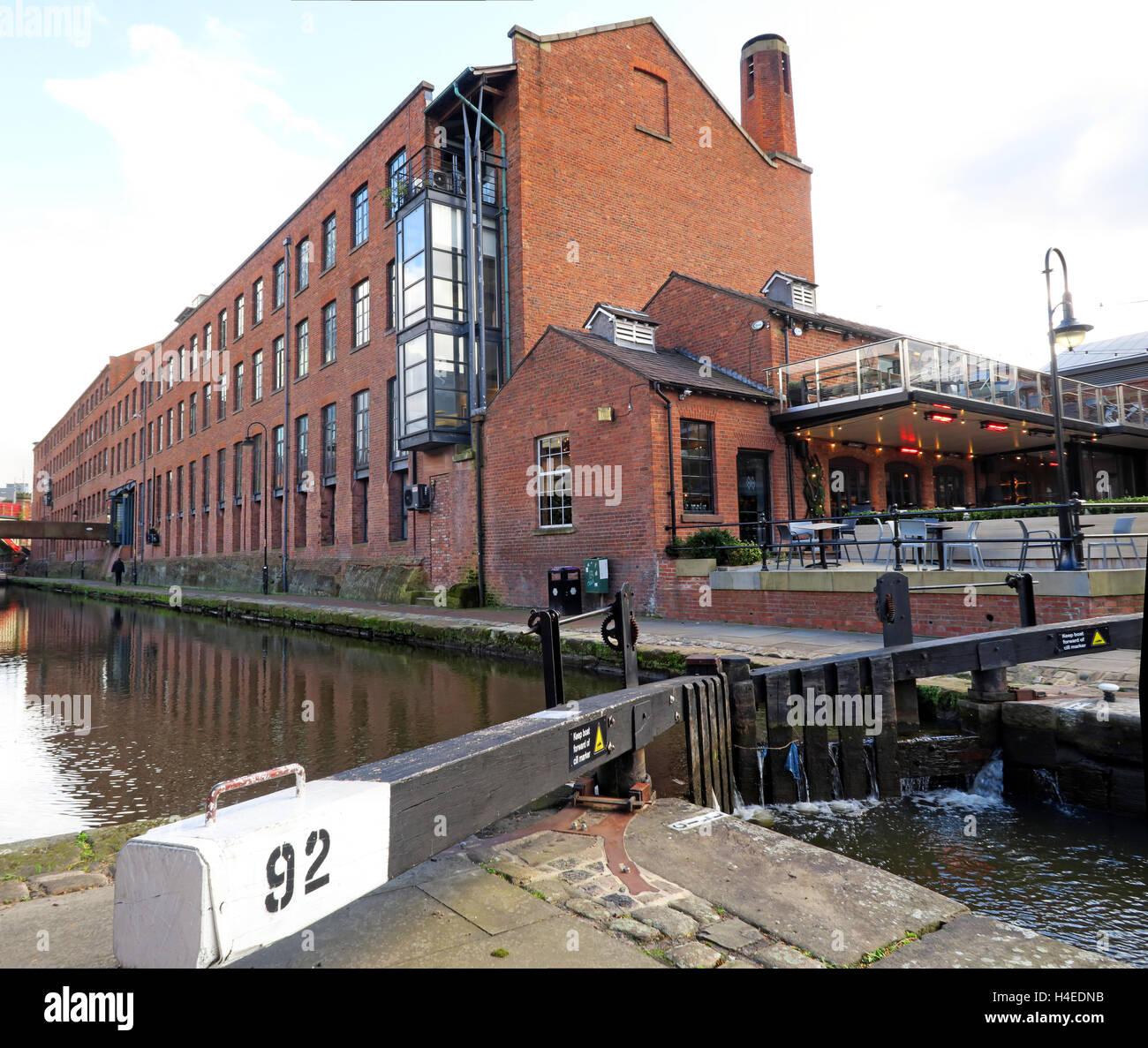 Laden Sie dieses Alamy Stockfoto Lock92, Rochdale Kanal Castlefield, Manchester City Centre, Lancs, England, Vereinigtes Königreich - H4EDNB