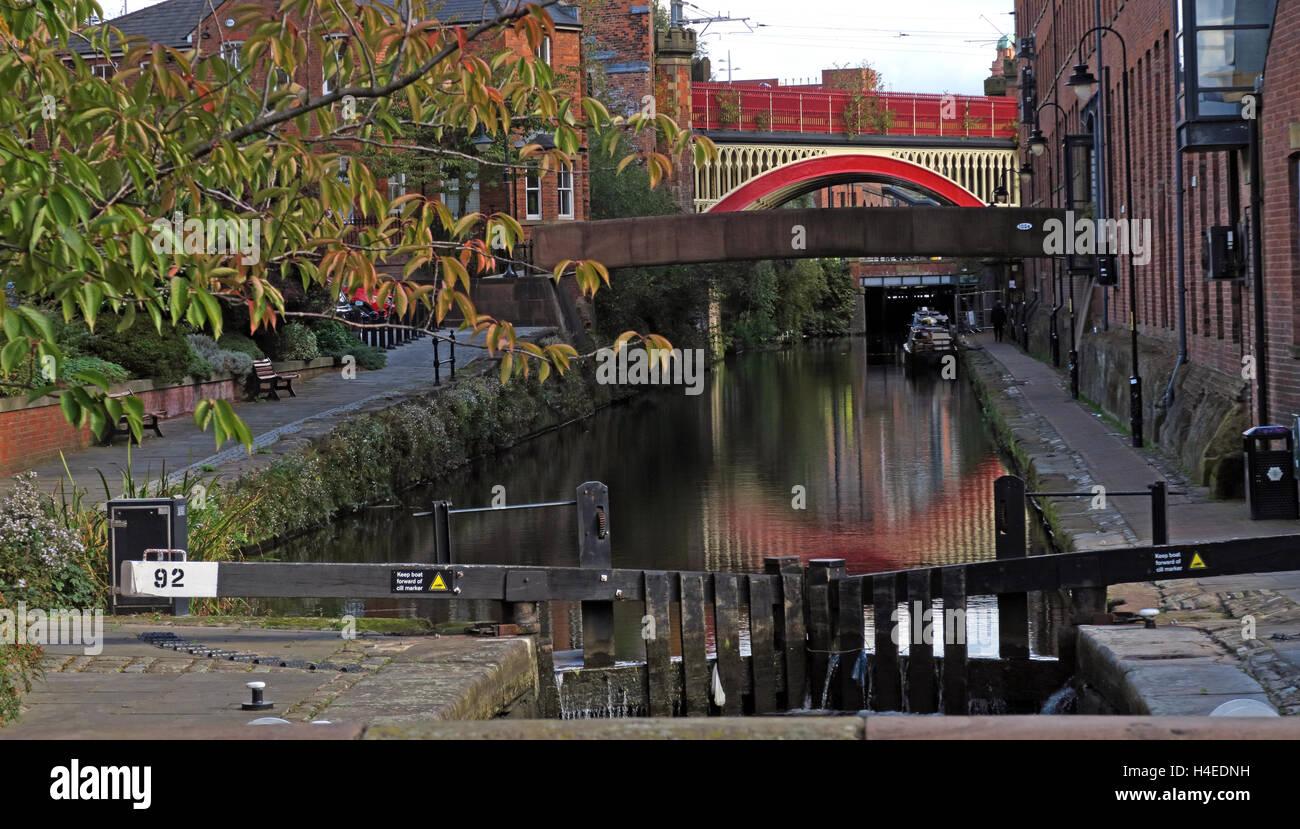 Laden Sie dieses Alamy Stockfoto Lock92, Rochdale Kanal Castlefield, Manchester City Centre, Lancs, England, Vereinigtes Königreich - H4EDNH