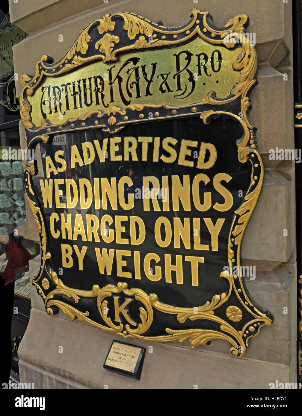 Laden Sie dieses Alamy Stockfoto Arthur Kay Juweliere, wie beworben, Trauringe berechnet nur durch Gewicht beachten, Market St, Manchester, England, UK - H4EDY1