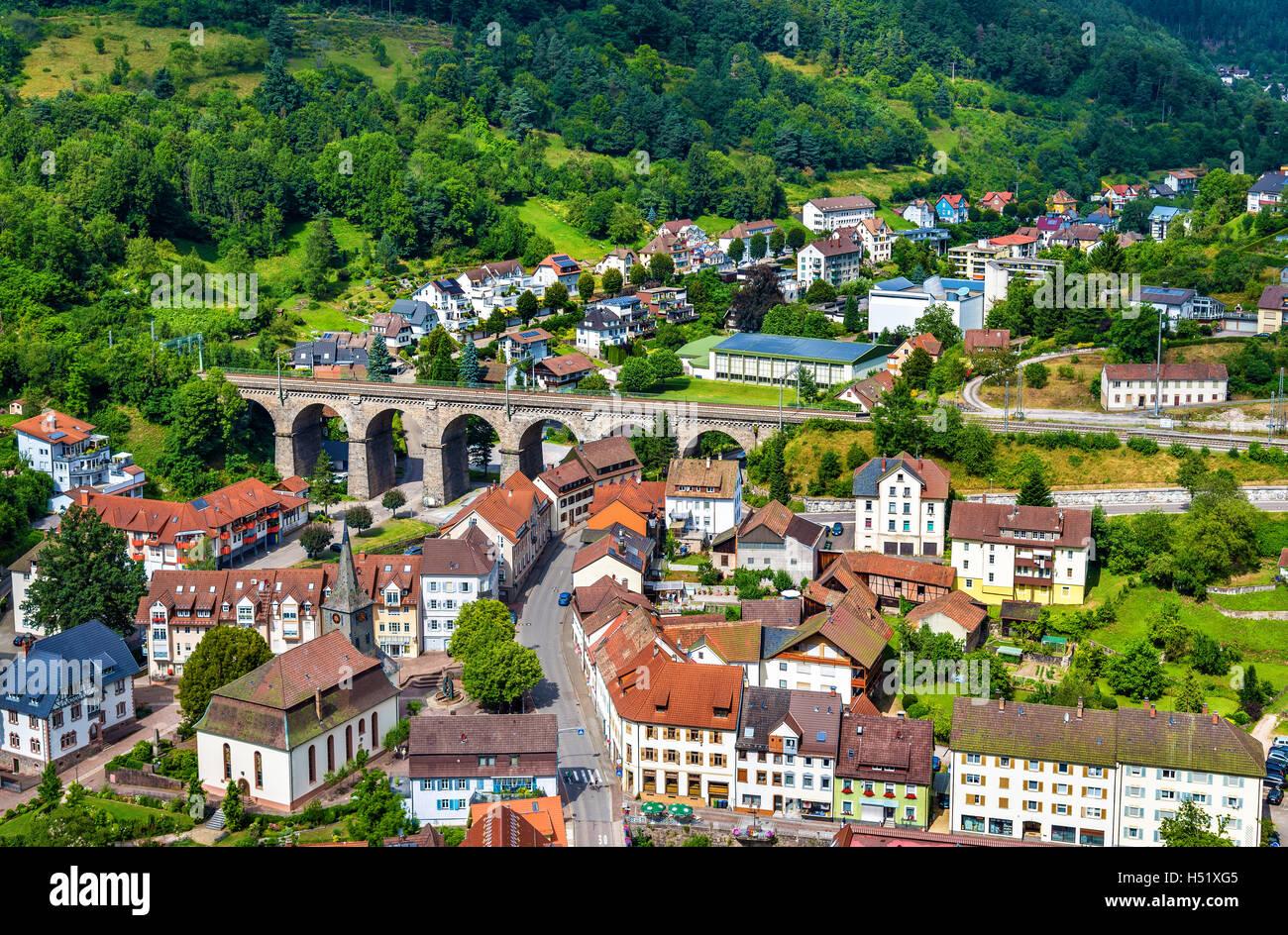 Blick auf das Dorf Hornberg im Schwarzwald Berge - Baden-Wurttemberg, Deutschland Stockbild