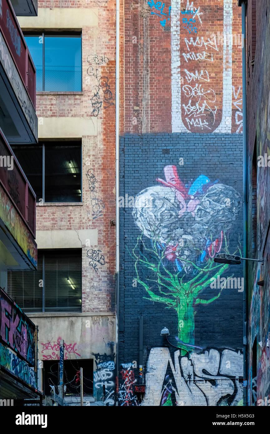 Street-Art-Wandbild Liebe Herzform in Rutledge Lane (aus Hosier Lane), Melbourne, Victoria, Australien Stockbild