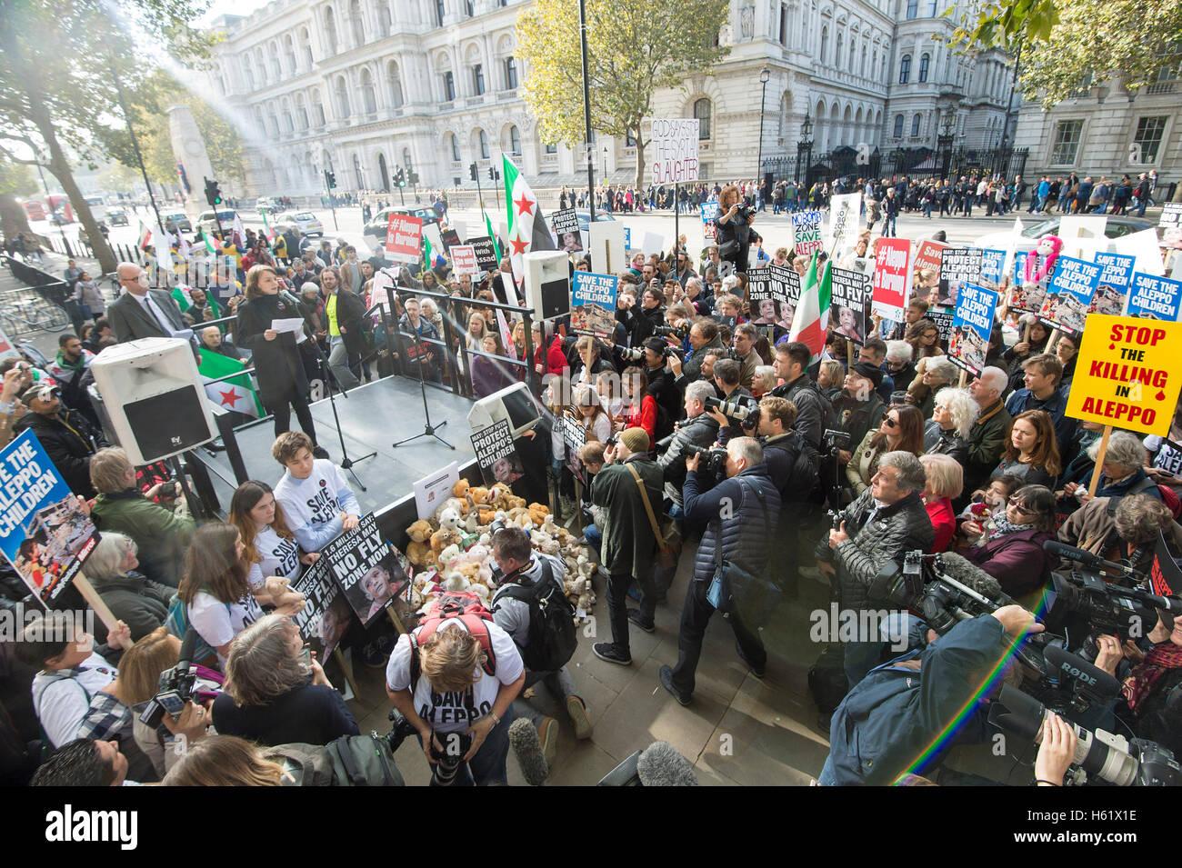 Downing Street/Whitehall.Actress Carey Mulligan auf einer Kundgebung in Whitehall Aufforderung an die Regierung, Stockbild