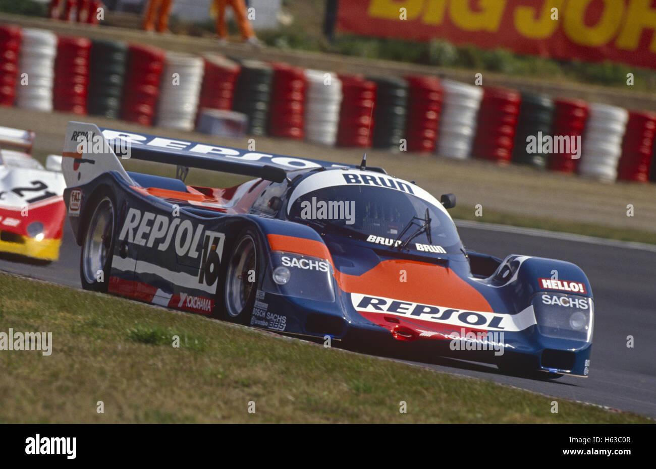 Jésus Pareja und Walter Brun Porsche 962C von Brun Motorsport 1990 eingegeben Stockbild