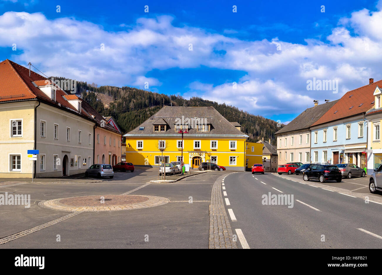 Stadt Bad Sankt Leonhard Im Lavanttal bunte Straßenbild, Kärnten, Österreich Stockbild