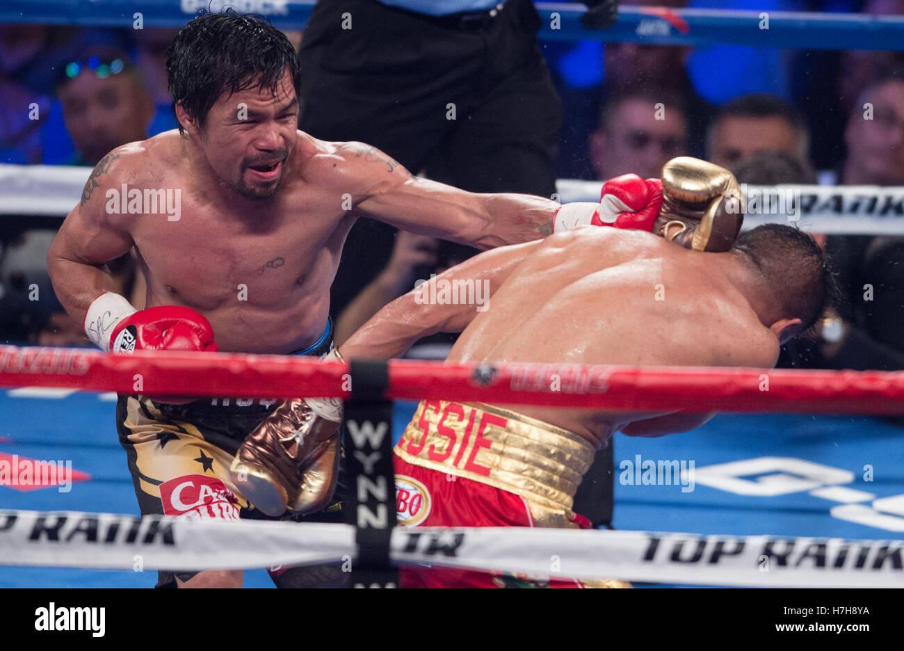Las Vegas, USA. 5. November 2016. Manny Pacquiao (L) der Philippinen Stempel Jessie Vargas während den WBO-Titel Stockfoto