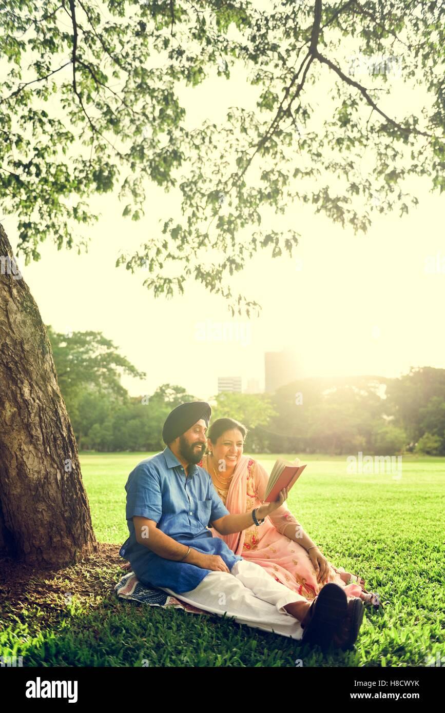Indische paar Liebe Pflegekonzept Stockbild