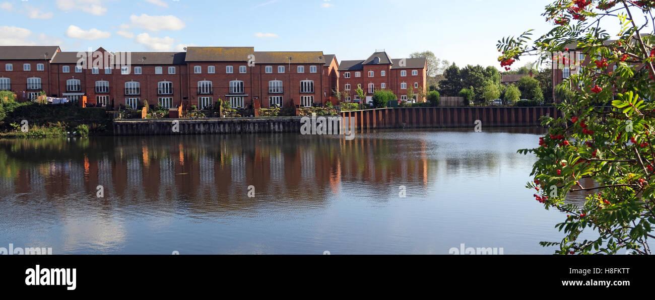 Laden Sie dieses Alamy Stockfoto Gehäuse an der Walton Lock, Warrington, Cheshire, England, Großbritannien - H8FKTT