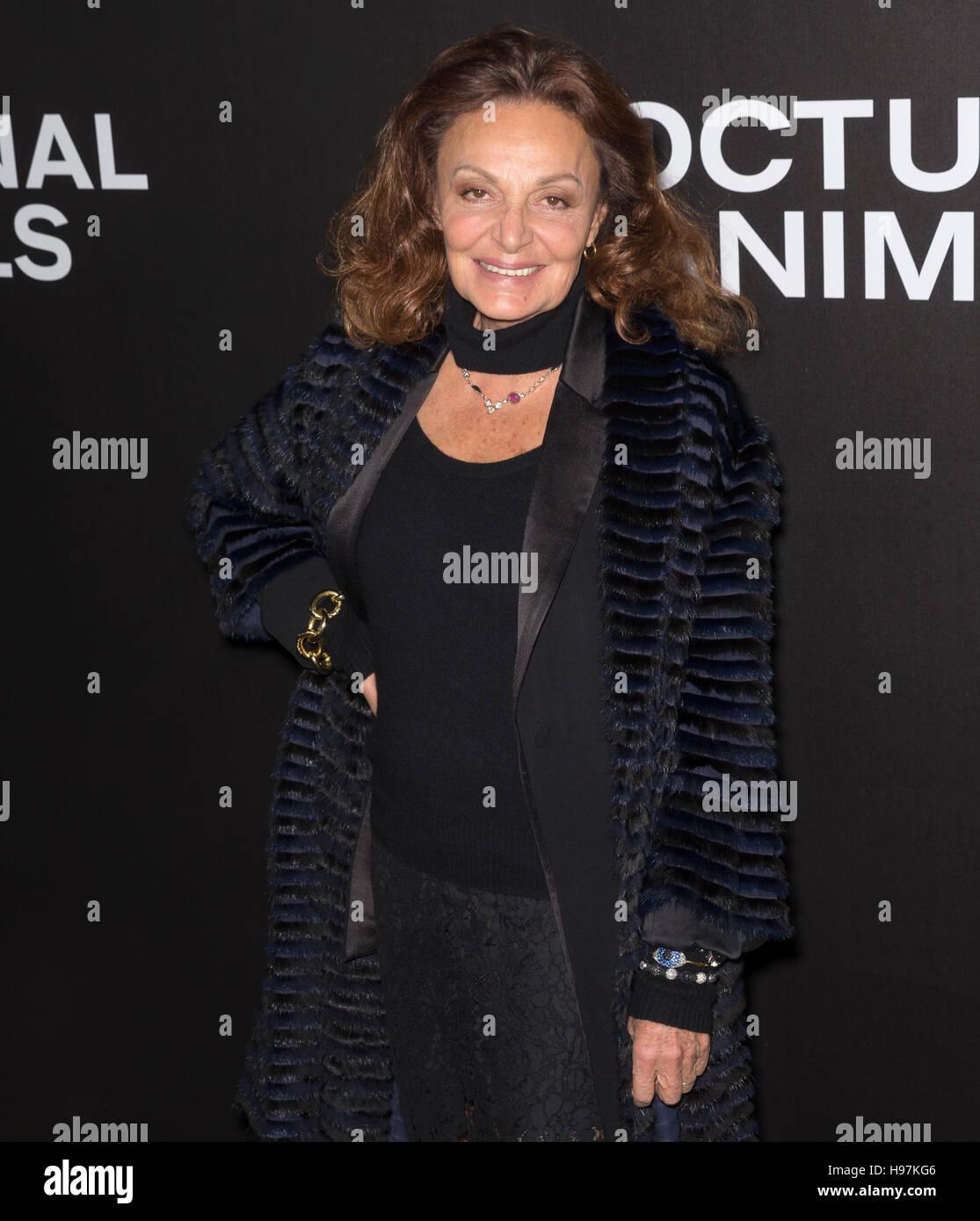 New York City, USA - 17. November 2016: Designerin Diane von Furstenberg besucht die 'Nachttiere' NewYork Stockbild