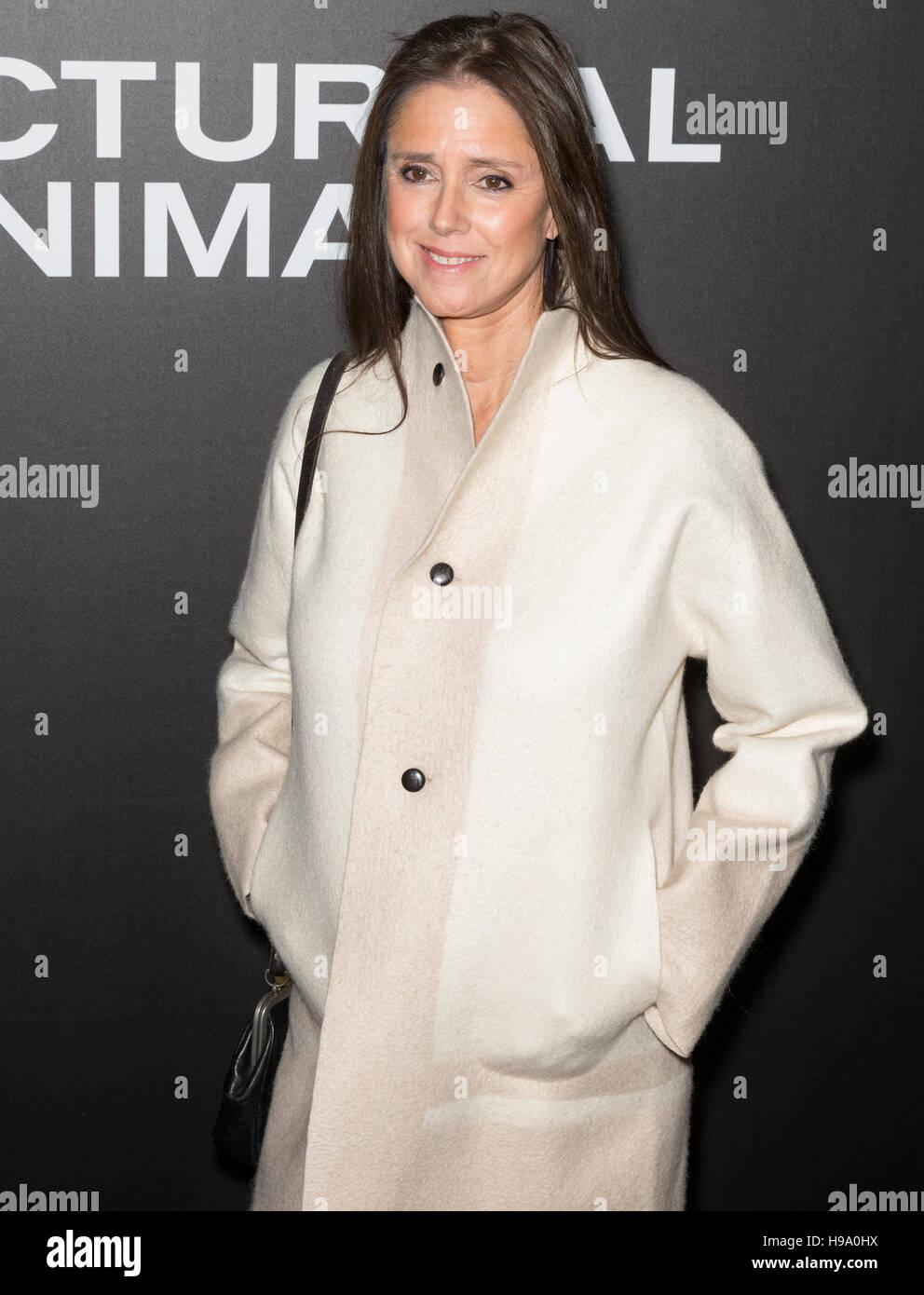 New York City, USA - 17. November 2016: Direktorin Julie Taymor besucht die 'Nachttiere' NewYork-Premiere Stockbild