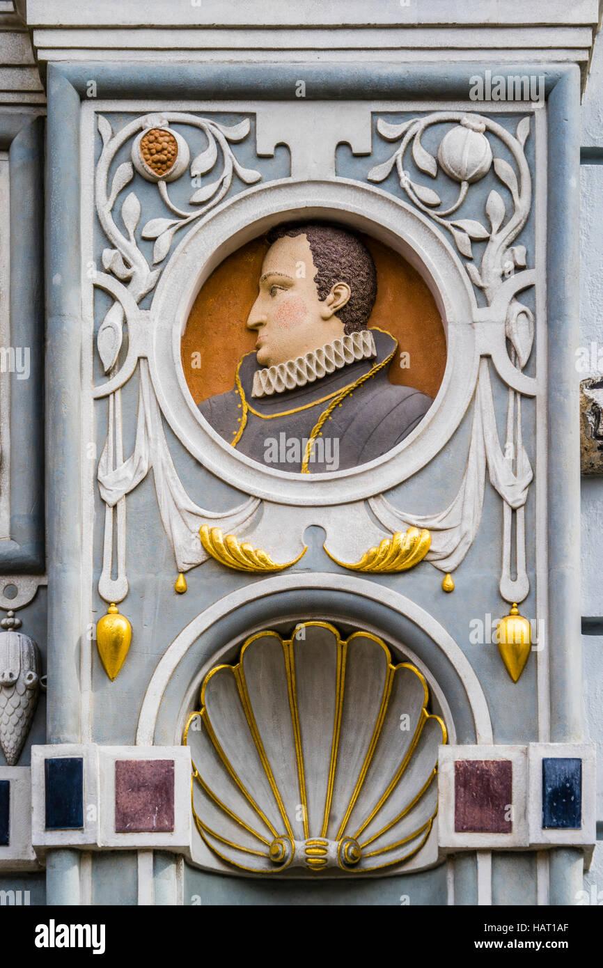 Polen, Pommern, Gdansk (Danzig), Medaillon-Büste des Königs von Polen Wladislaw IV Vasa auf dem Portal Stockbild