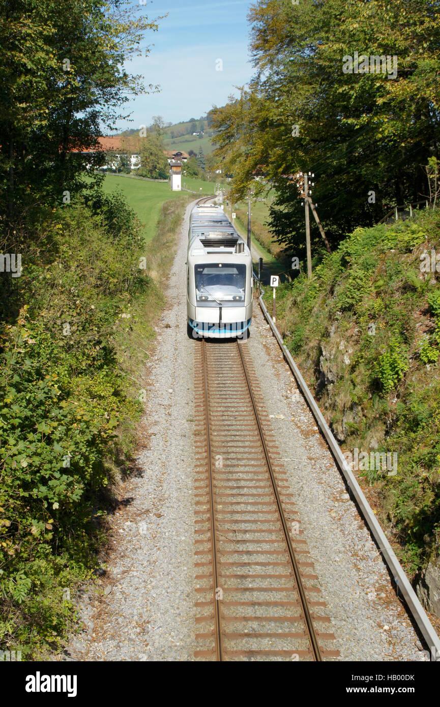 Regionale, Zug, Bahn, Bahn, Eisenbahn Stockbild