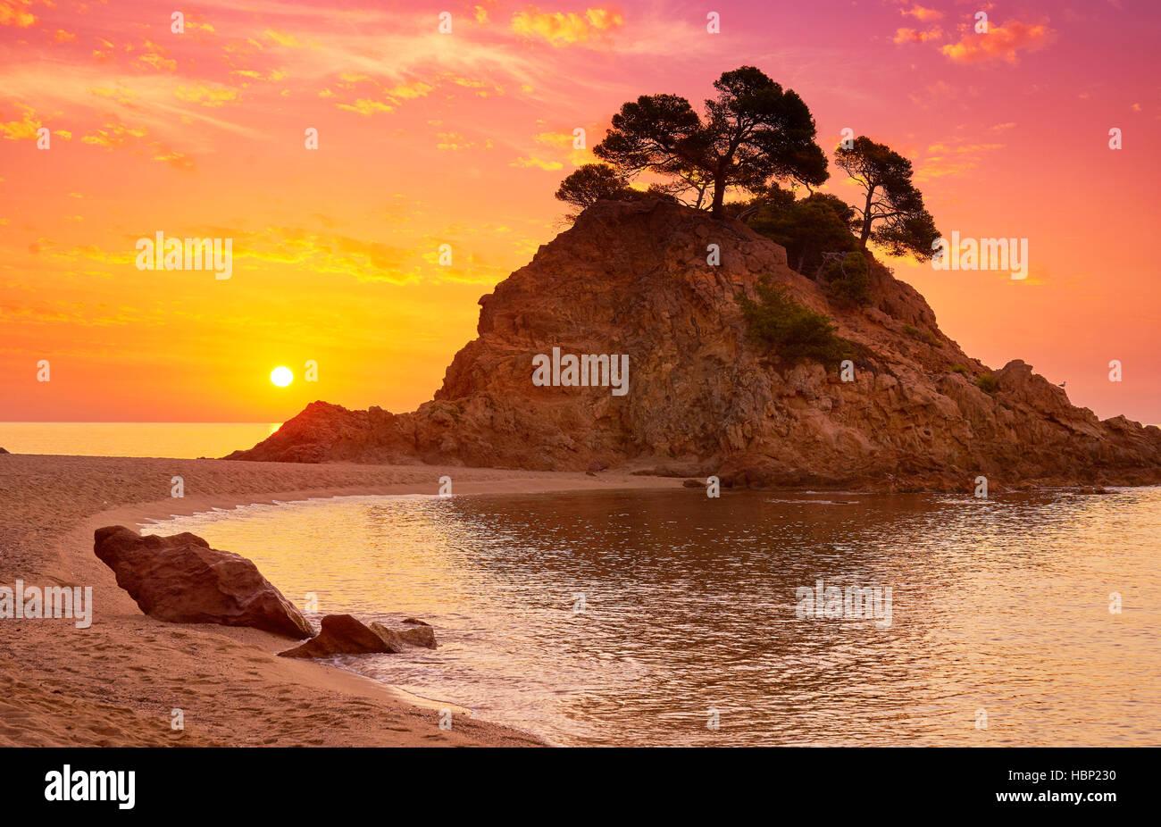 Sonnenaufgang am Cap Roig Strand, Costa Brava, Spanien Stockbild