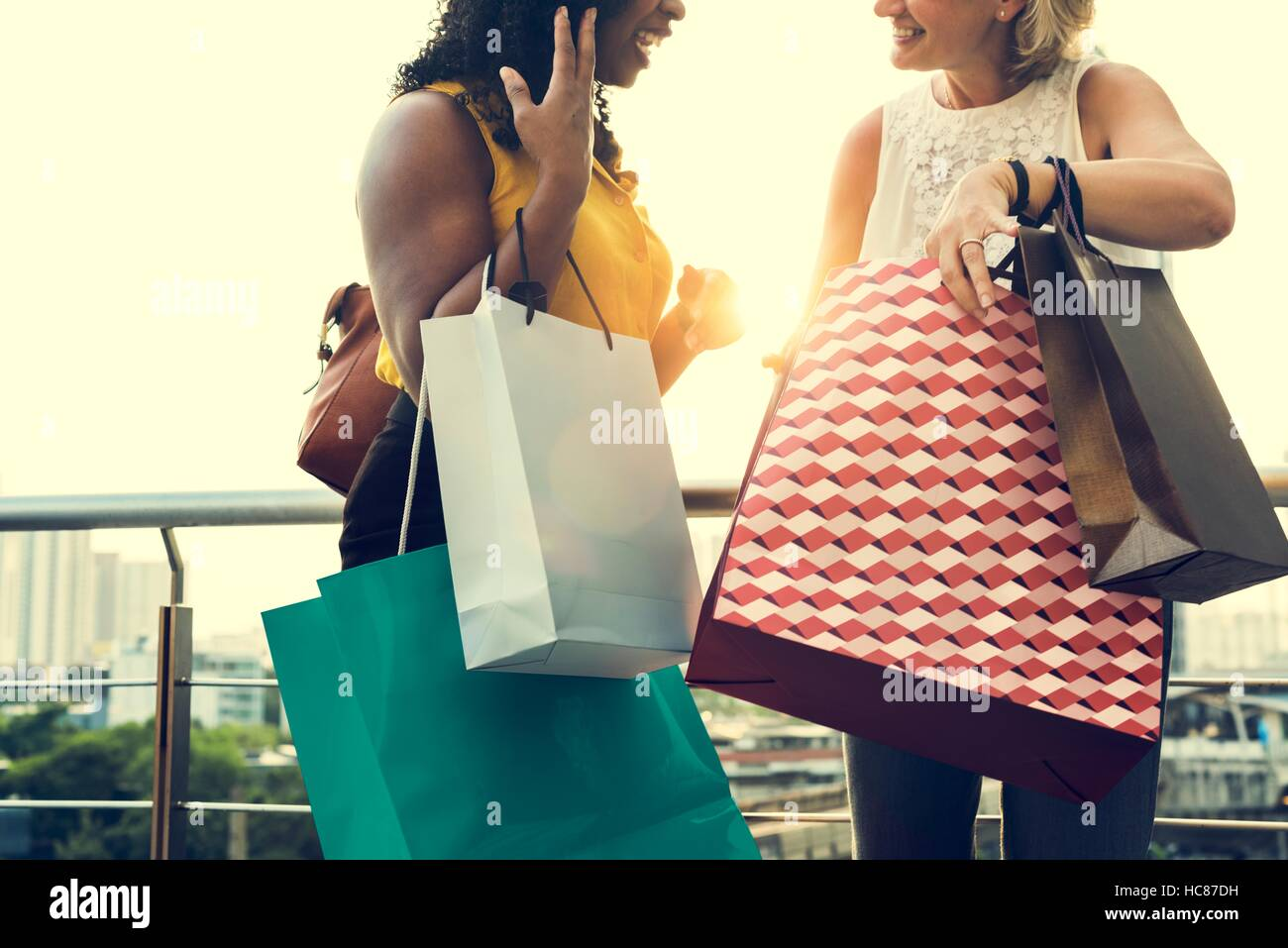 Frau Weiblichkeit Einkaufen entspannen Konzept Stockbild