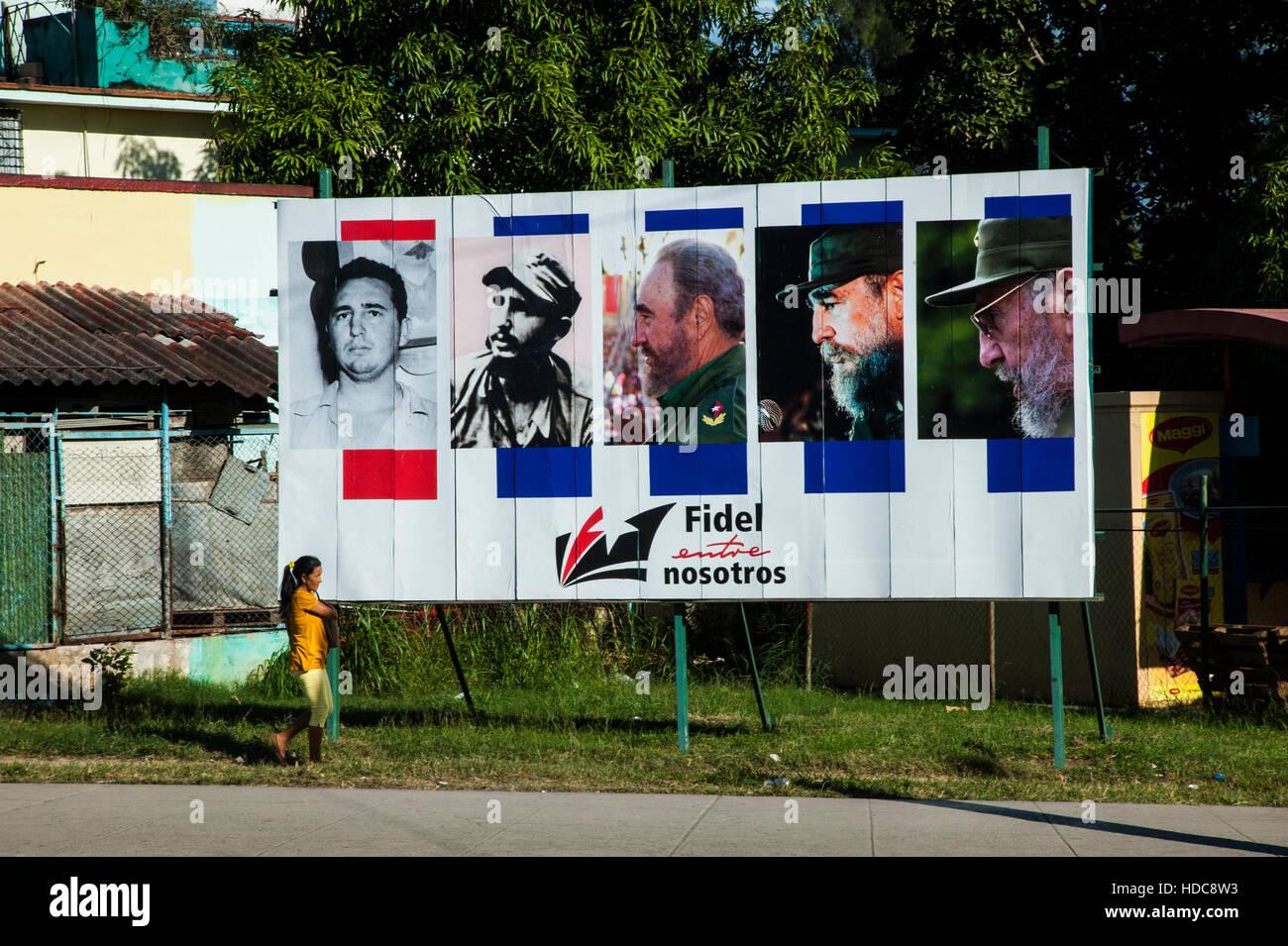 Ein Plakat von Bildern der kubanische Präsident Fidel Castro im Laufe der Jahre. Stockbild