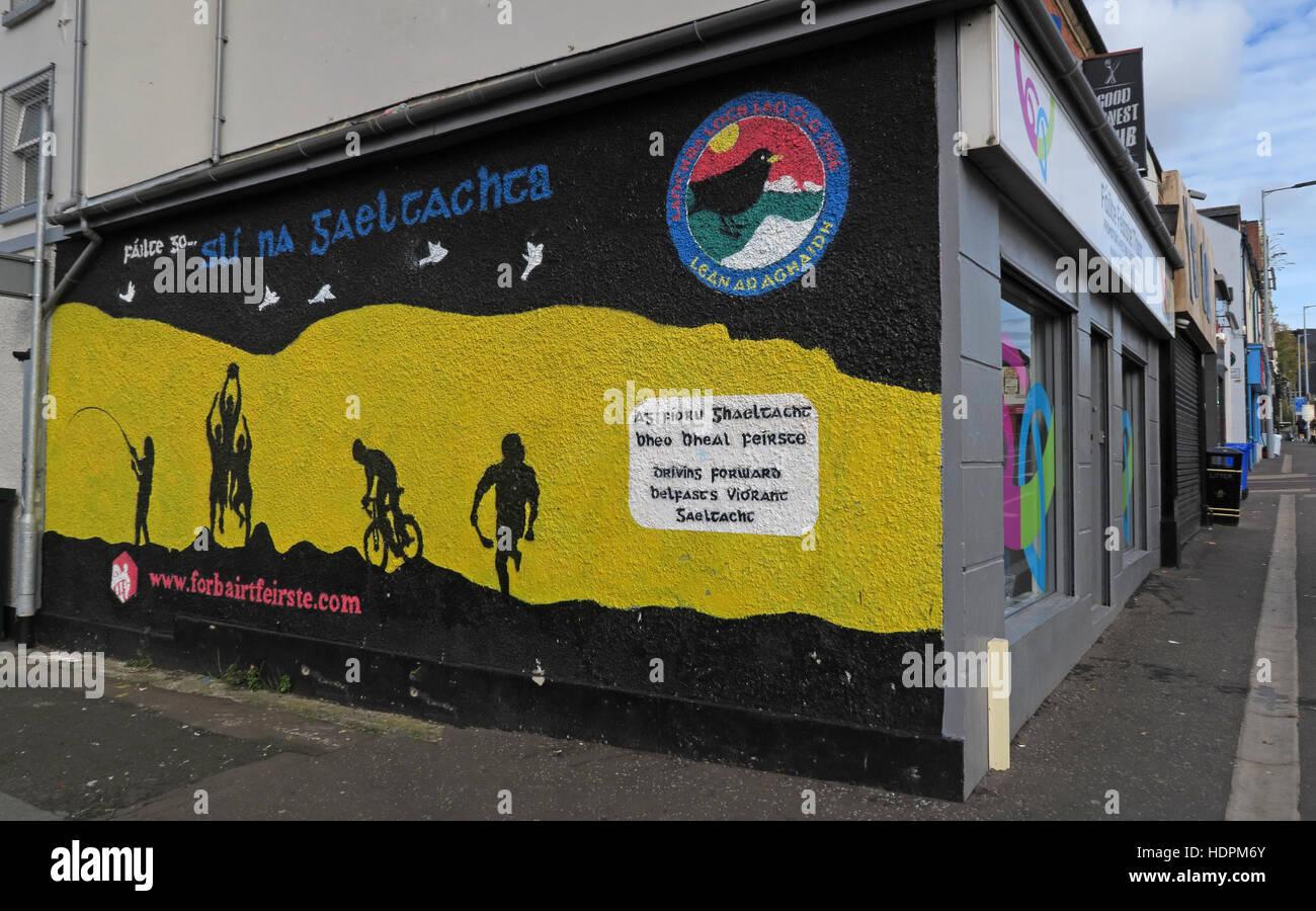 Laden Sie dieses Alamy Stockfoto Belfast fällt Rd republikanischen Wandbild - Brighton Street, West Belfast zu fördern - HDPM6Y