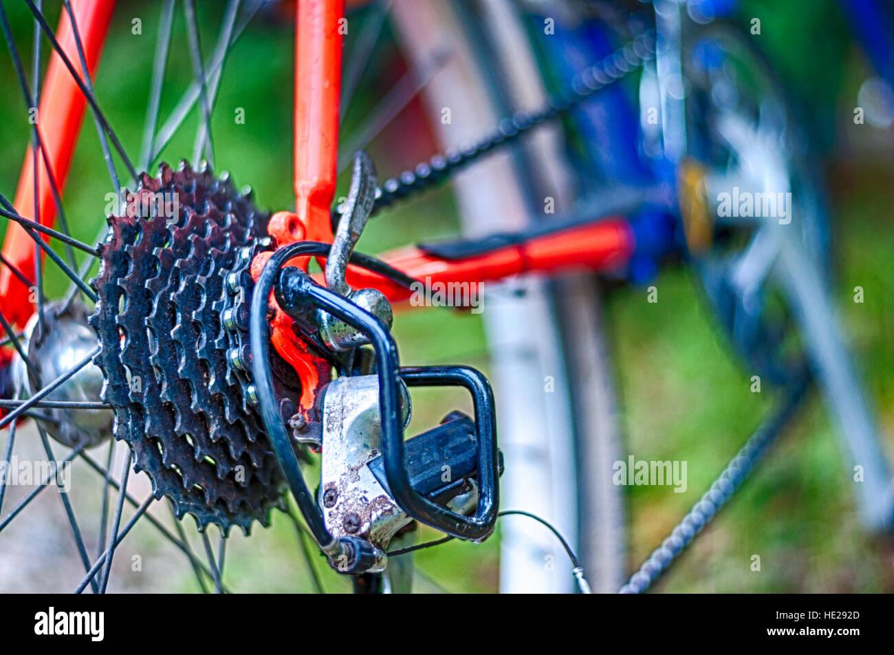 Nahaufnahme von Mountainbike in der Mitte des Landes Stockfoto