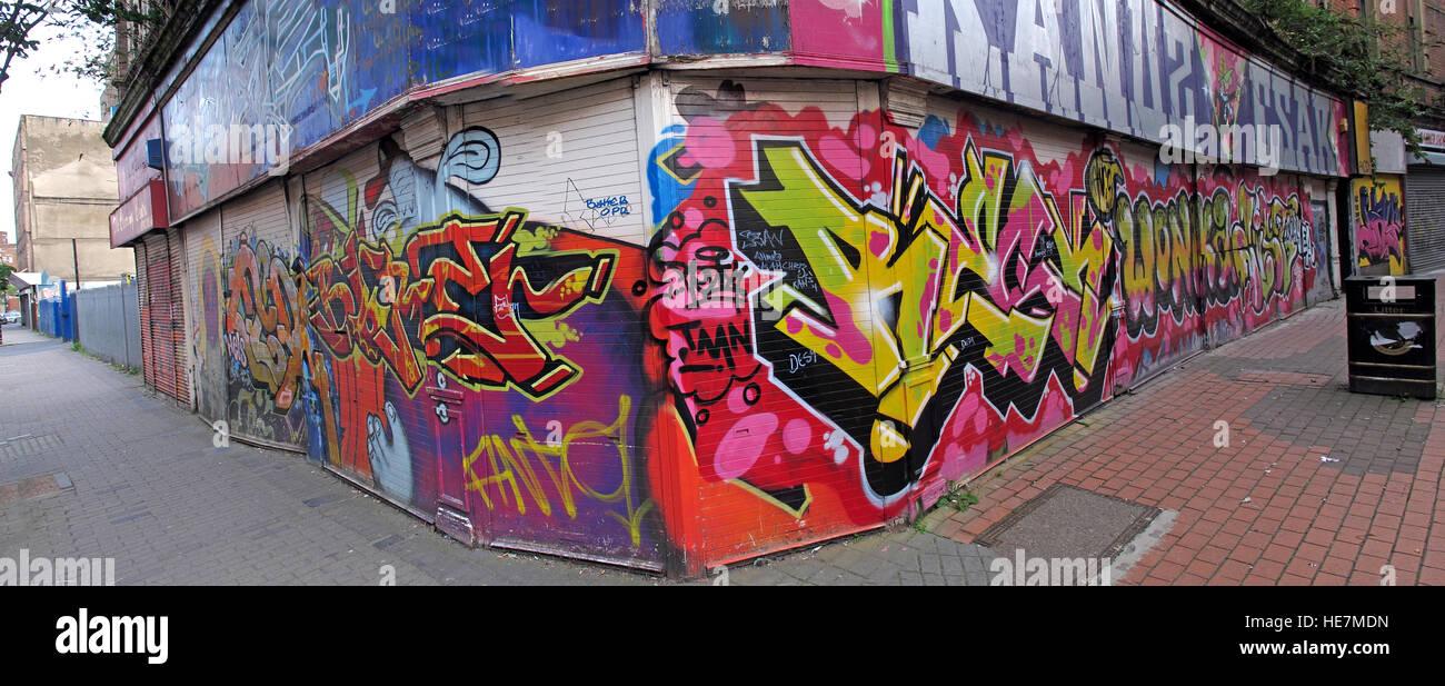 Laden Sie dieses Alamy Stockfoto Belfast Garfield St Graffiti, Panorama, Stadtzentrum, Nordirland, Vereinigtes Königreich - HE7MDN