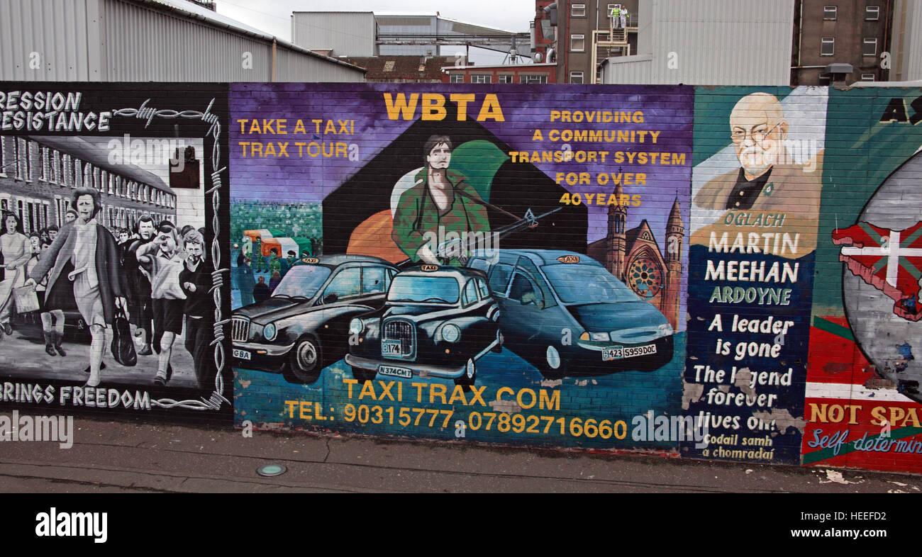 Laden Sie dieses Alamy Stockfoto Belfast fällt Rd republikanischen Wandbild Martin Meehan, nehmen Sie ein Taxi tour WBTA - HEEFD2