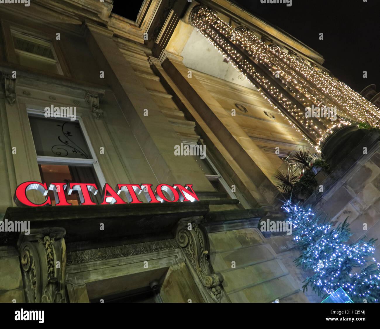 Laden Sie dieses Alamy Stockfoto Glasgow-Gebäude der Merchant City, Scotland, UK in der Nacht - The Citation Bars - HEJ5MJ