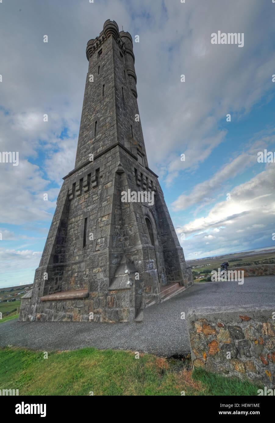 Laden Sie dieses Alamy Stockfoto Stornoway, Isle Of Lewis Krieg Memorial, Scotland, UK - HEW1ME