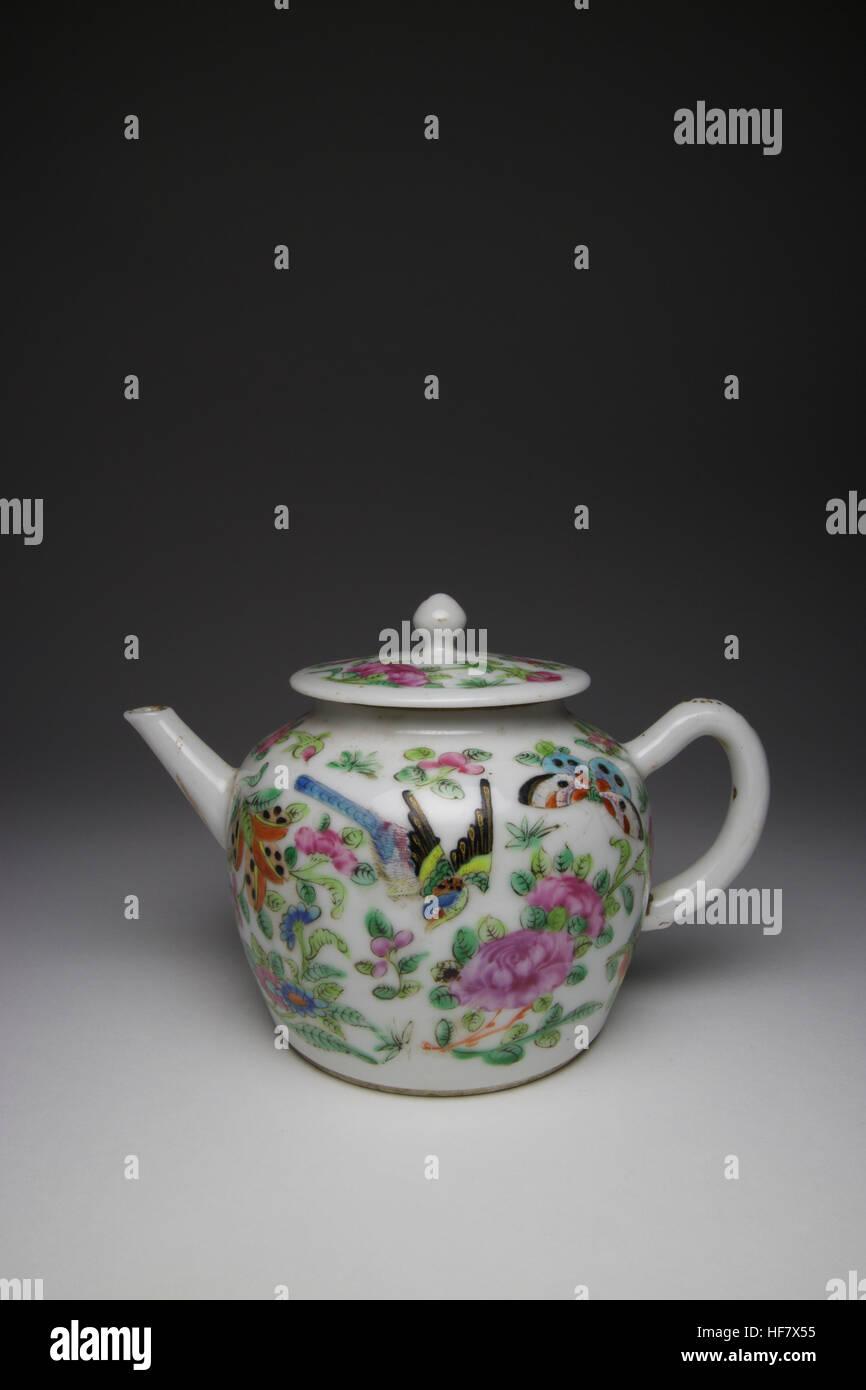 antique rose porcelain stockfotos antique rose porcelain bilder alamy. Black Bedroom Furniture Sets. Home Design Ideas