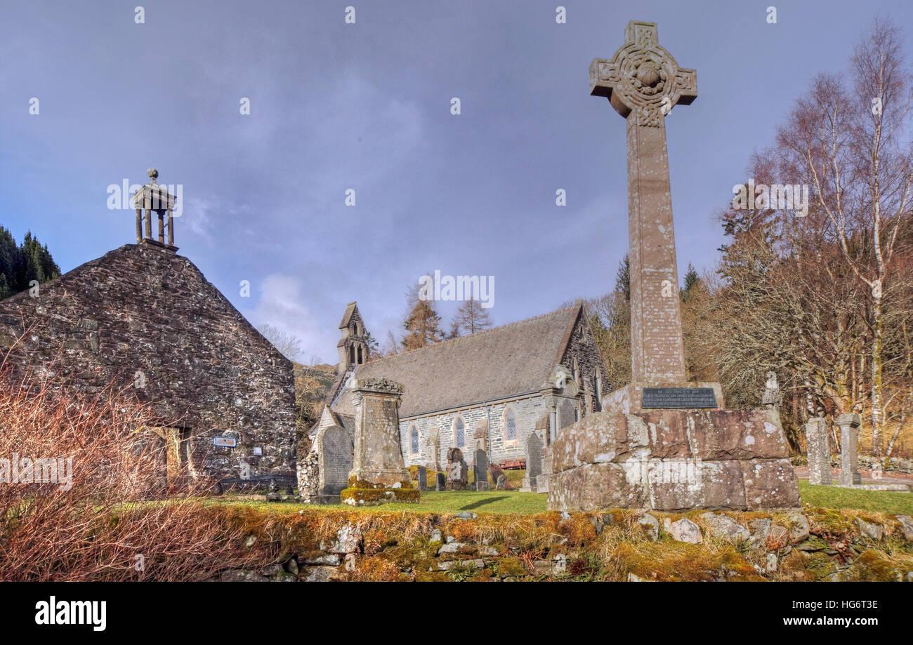 Laden Sie dieses Alamy Stockfoto Balquhidder, Sterling, Schottland, UK - Rob Roy rot MacGregors Ruhestätte - HG6T3E