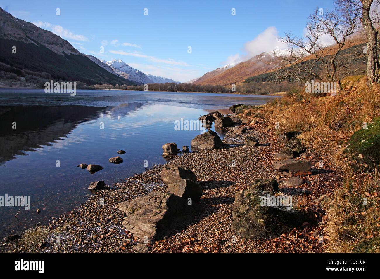 Laden Sie dieses Alamy Stockfoto Balquhidder, Sterling, Schottland, UK - Rob Roy rot MacGregors Ruhestätte - HG6TCK