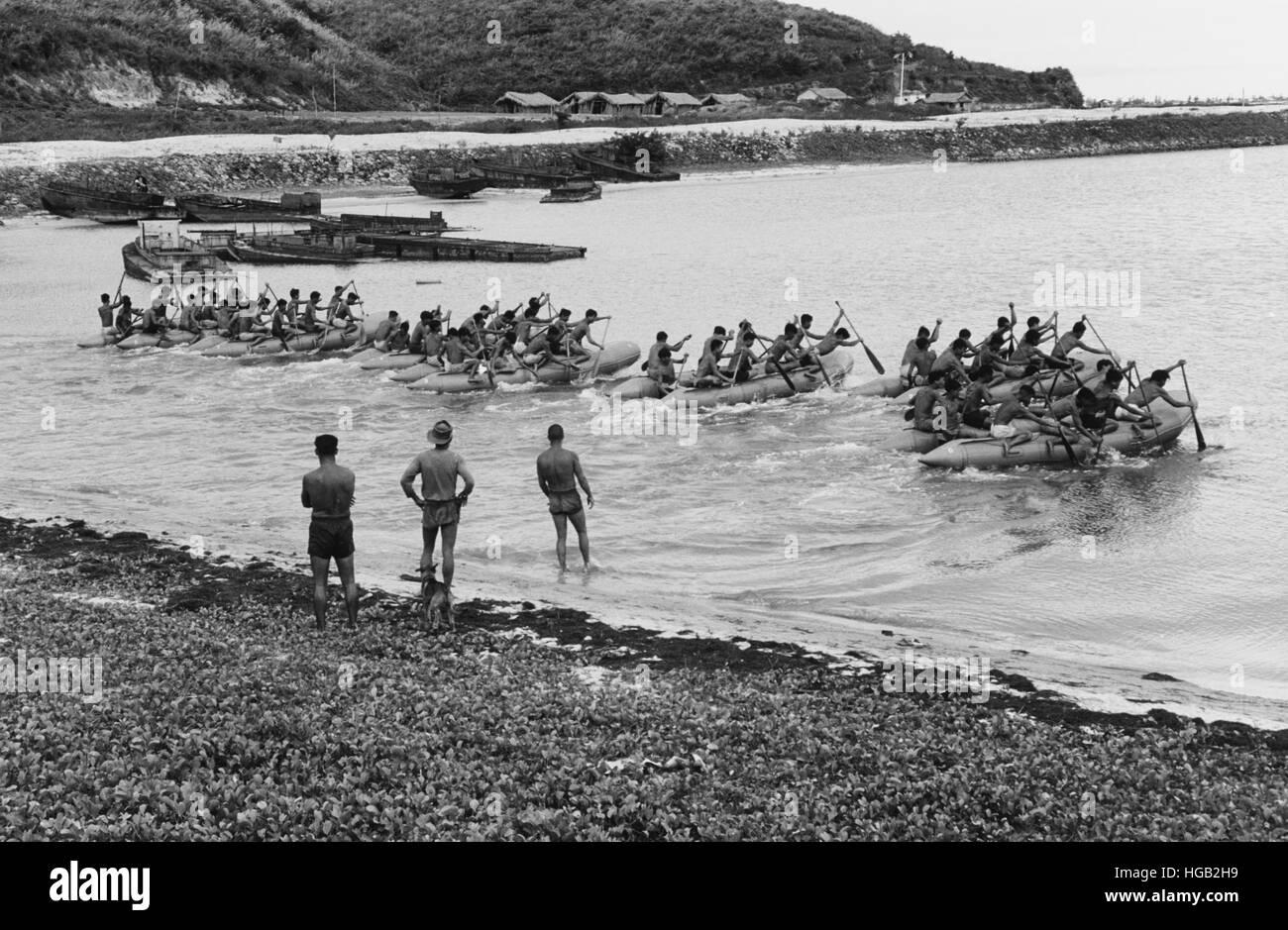 Vietnamesische Junk Kraft in einer Phase der Unterwasser Abbruch Ausbildung während des Vietnam-Krieges. Stockbild