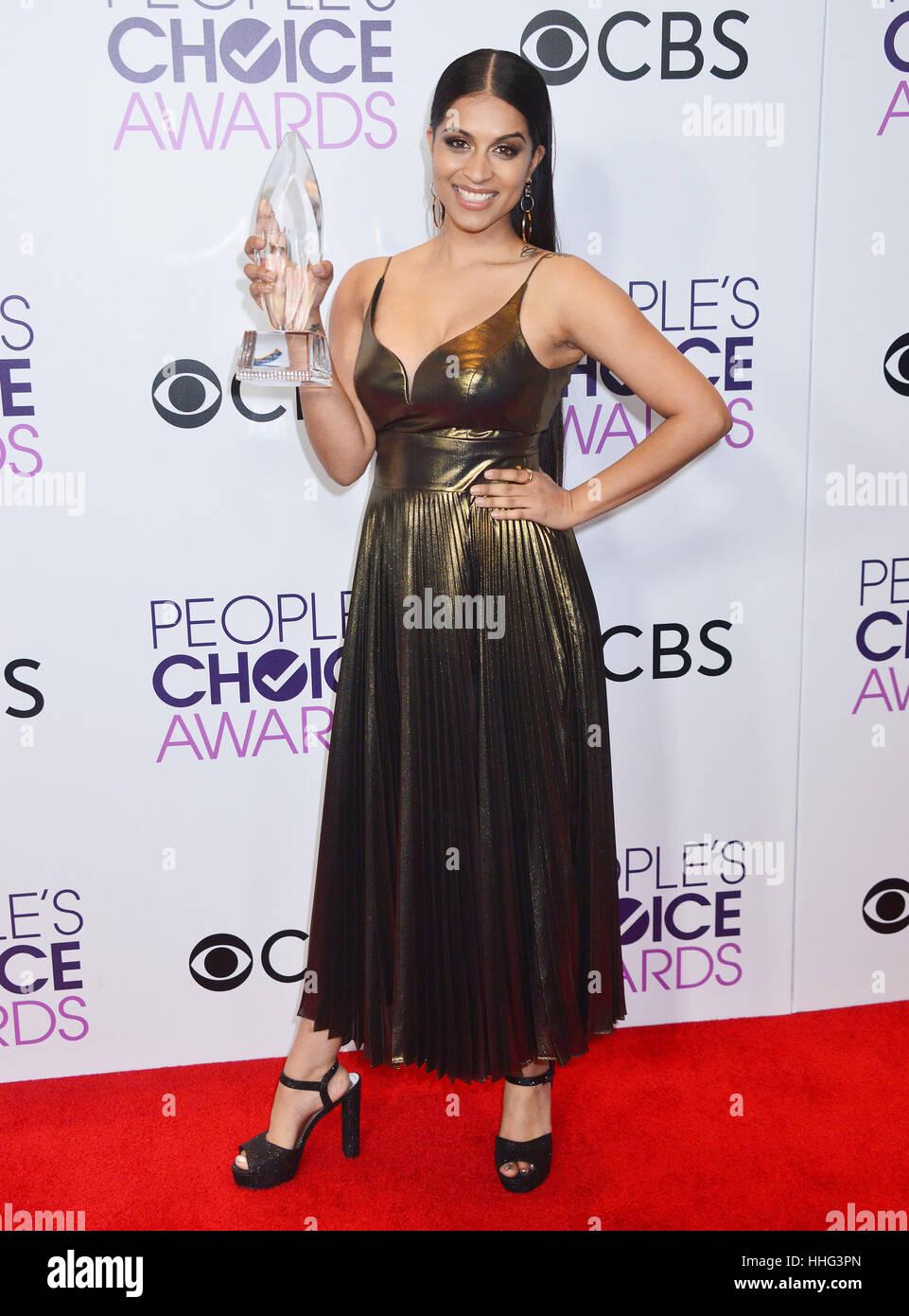 Lilly Singh 269 das Volk Wahl Auszeichnungen 2017 an die Microsoft-Theatre in Los Angeles angekommen. 18. Januar Stockfoto