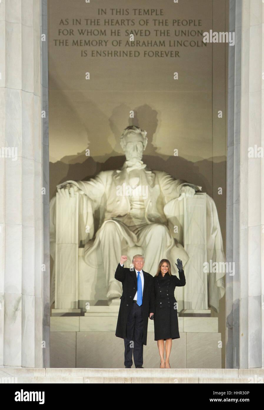Arlington, USA. 19. Januar 2017. Gewählter Präsident der Vereinigten Staaten Donald J. Trump und Elect FIRST LADY Stockfoto