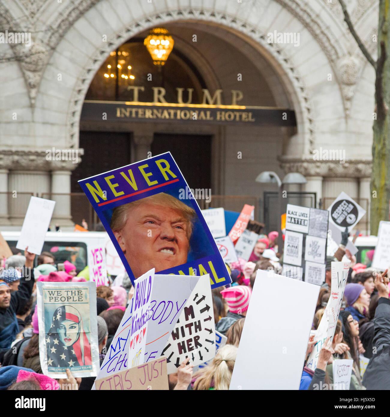 Washington, DC USA - 21. Januar 2017 - die Frauen Marsch auf Washington zog eine geschätzte halbe Million zur Stockbild