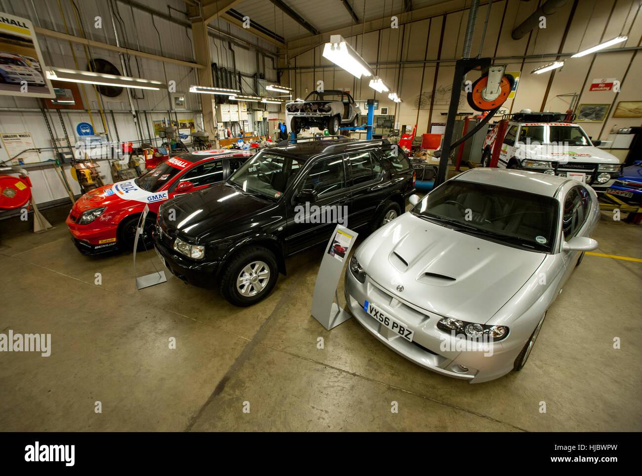 Oldtimer Vauxhall Heritage-Kollektion gehalten in der Auto-Hersteller-Fabrik in Luton, England Stockbild