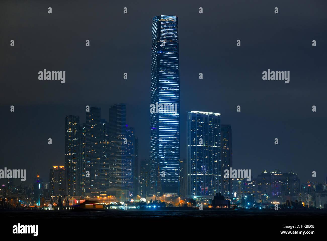 Hong Kong, China. 28. Januar 2017. Chinesische Neujahr, das International Commerce Center ICC-Beleuchtung für das Stockfoto