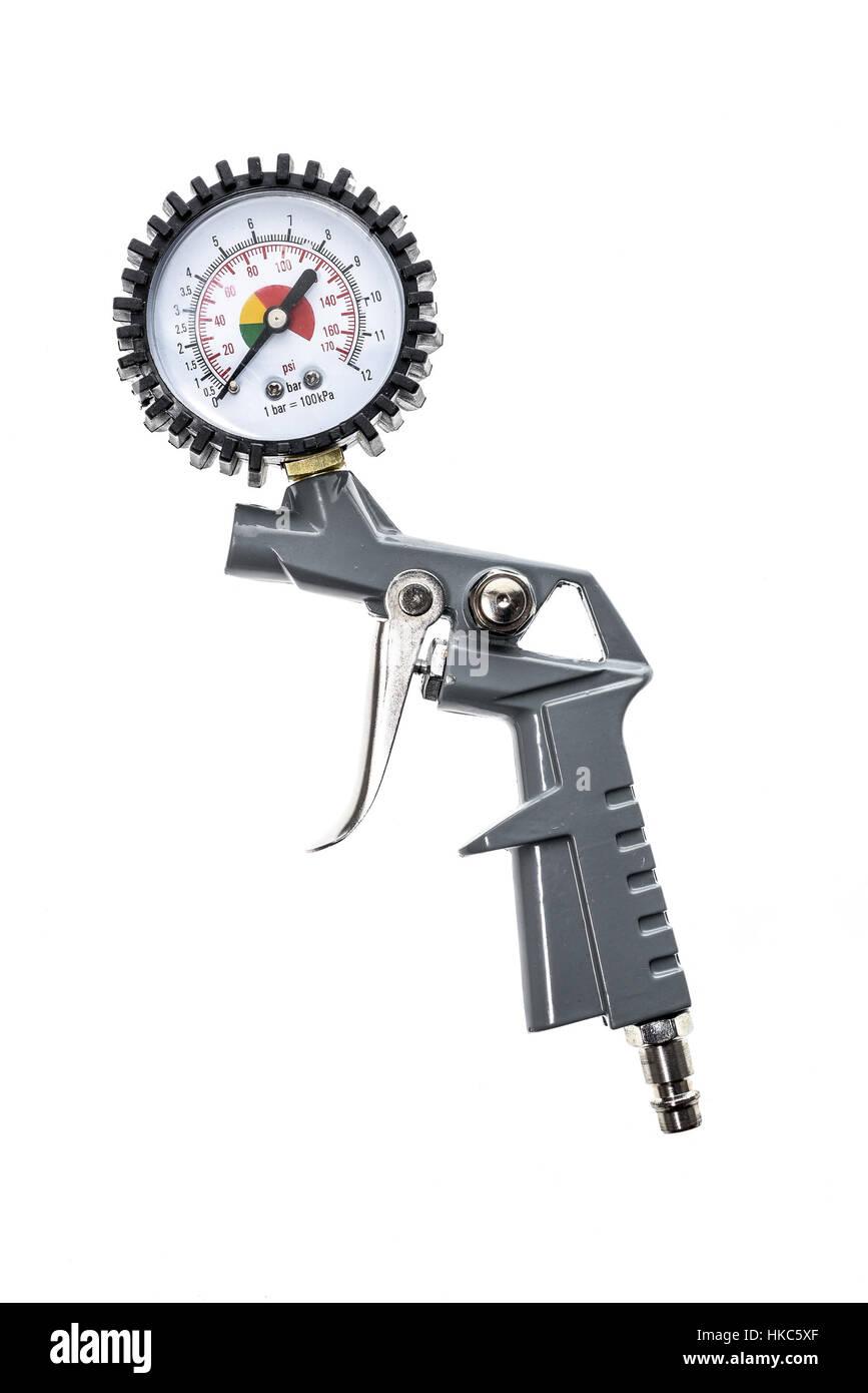 Luftgewehr Kompressor Mit Manometer Isoliert Auf Einem Weien Pressure Gauge Hintergrund Nahaufnahme Von Blaspistole Fr Druckluft Als Teil Des Luft Anlage