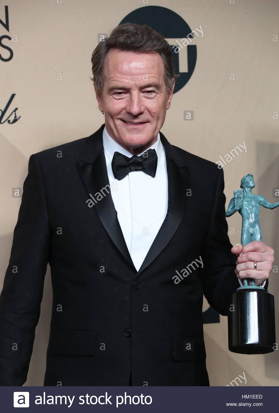 Los Angeles CA - 29. Januar Bryan Cranston, am 23. Annual Screen Actors Guild Awards - Presseraum, im Shrine Auditorium Stockfoto